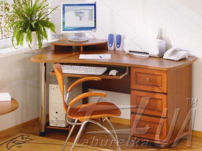 Комп'ютерний стіл О-226