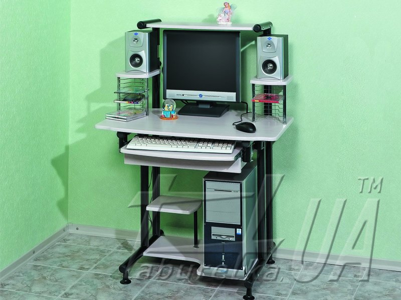 Комп'ютерний стіл 607