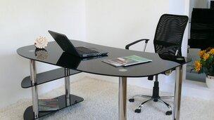Скляні комп'ютерні столи